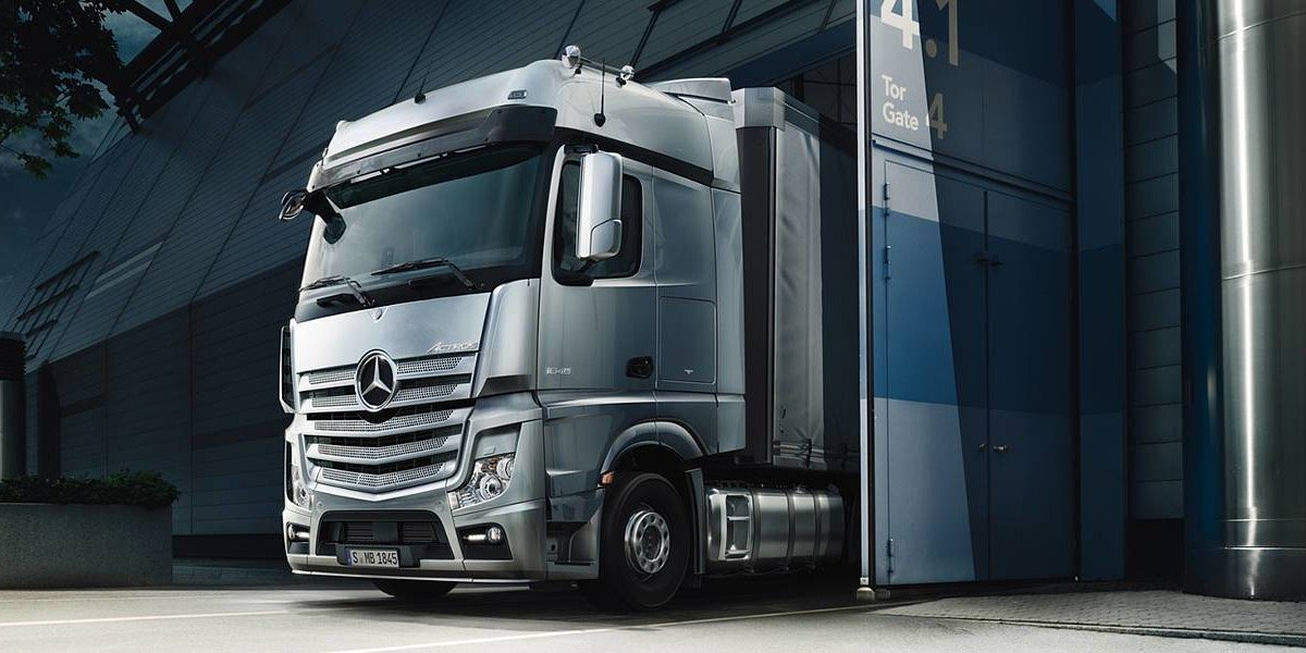 blog large image - Mercedes-Benz Trucks appoints New Director