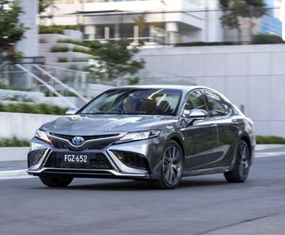 Toyota Camry now available in Ascent, Ascent Sport, SX sports model and top-of-the-range SL image