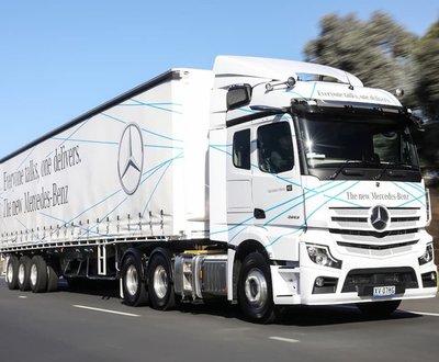 Mercedes-Benz Actros image