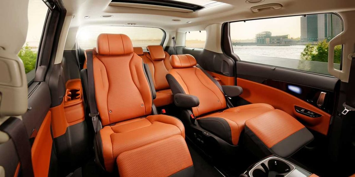 blog large image - 5 Reasons Why The Kia Carnival Is the Best People Mover