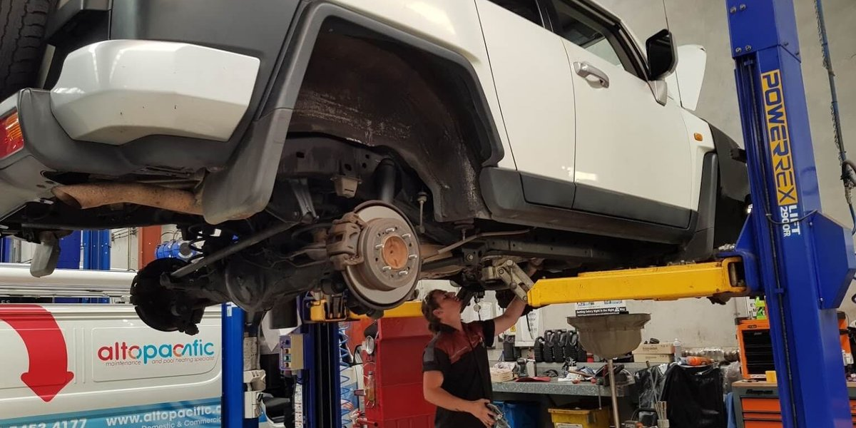 blog large image - 3 Reasons to Quit Procrastinating and Get a Toyota Service
