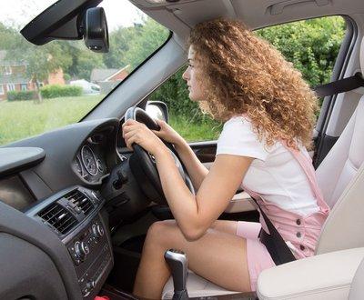 Driving posture image