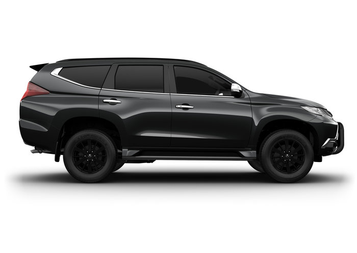 2018 Pajero Sport Black Edition
