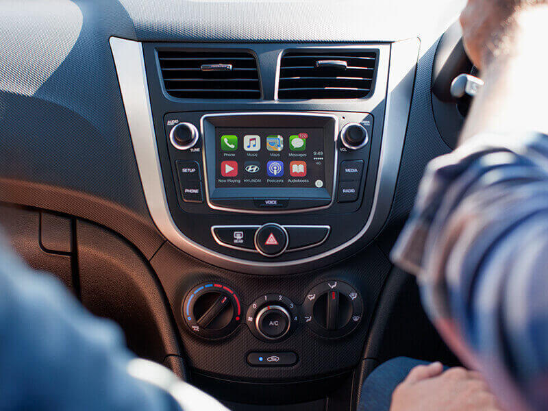 "5"" touchscreen with Apple CarPlay®."