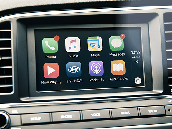 Apple CarPlay<sup>TM</sup> & Android<sup>TM</sup> Auto compatibility.