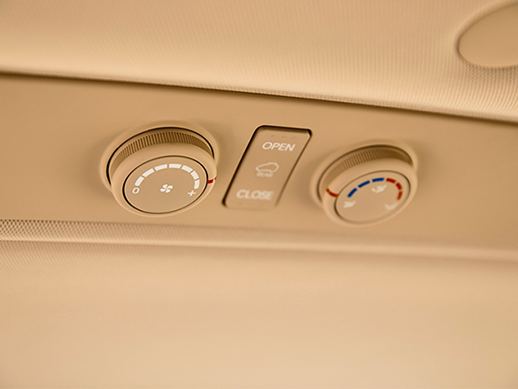 Separate air conditioning air vents and controls for 2nd & 3rd row passengers.