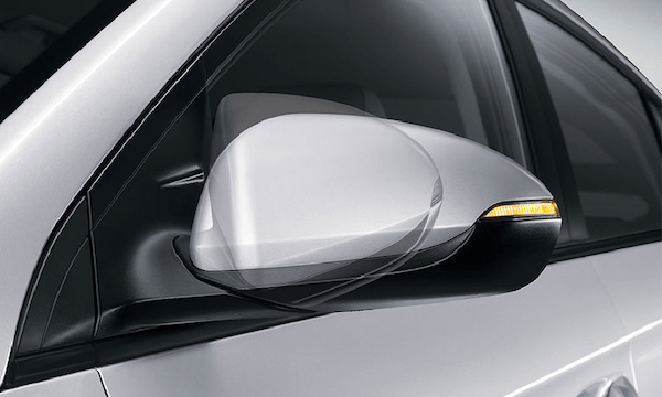 Power-folding side mirrors.