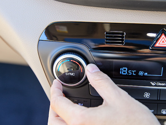 Dual zone climate control.