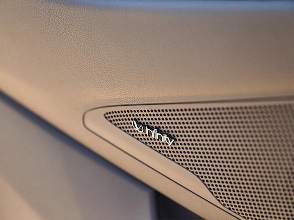 Infinity® 8-speaker premium audio system.