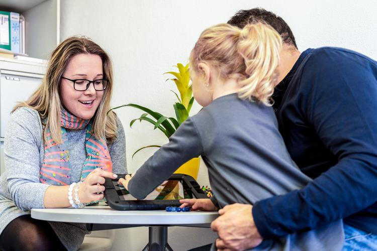 Registered vs. unregistered NDIS providers: What's the difference?