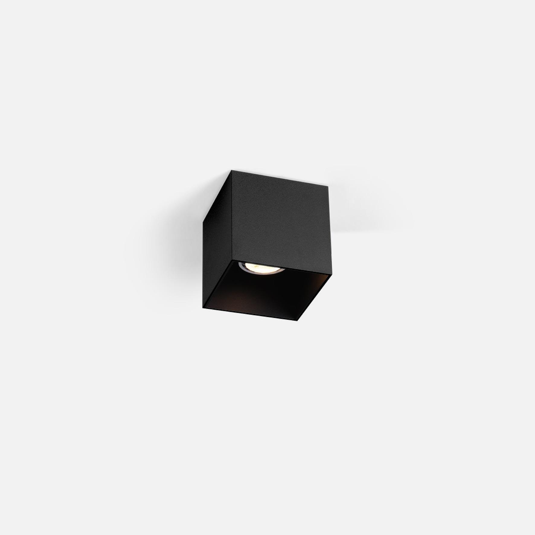 Box 1.0 led black texture 1800 2850k