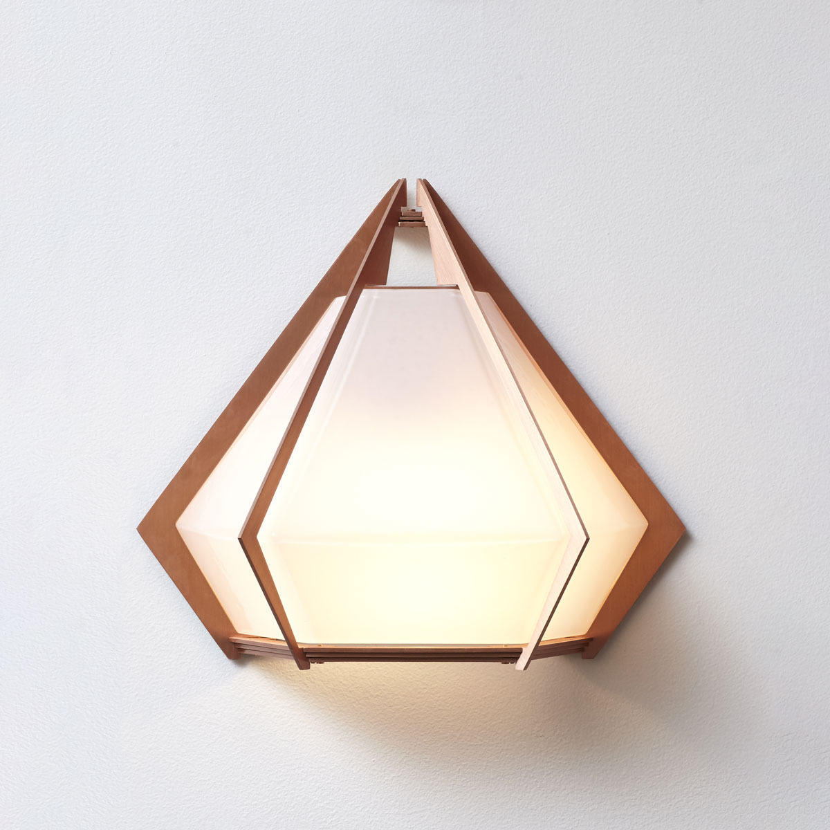 Gs harlow wall sconce hero