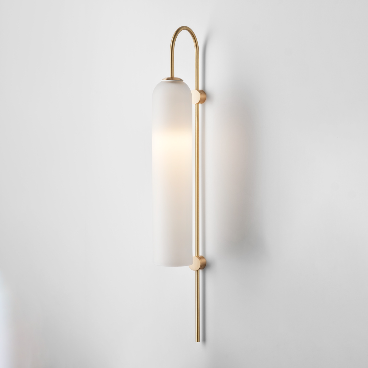 Hero articolo lighting float wall sconce snow brass on