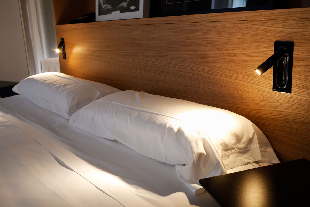 Ledtube black hotel alexandra2