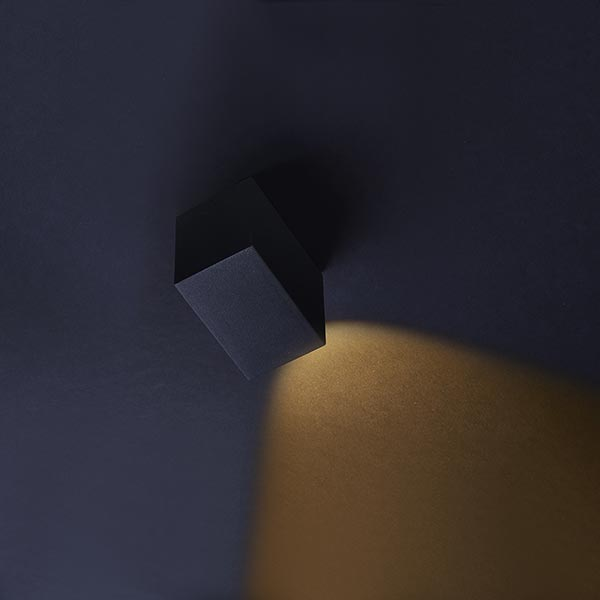 Porch black 00001 600x600