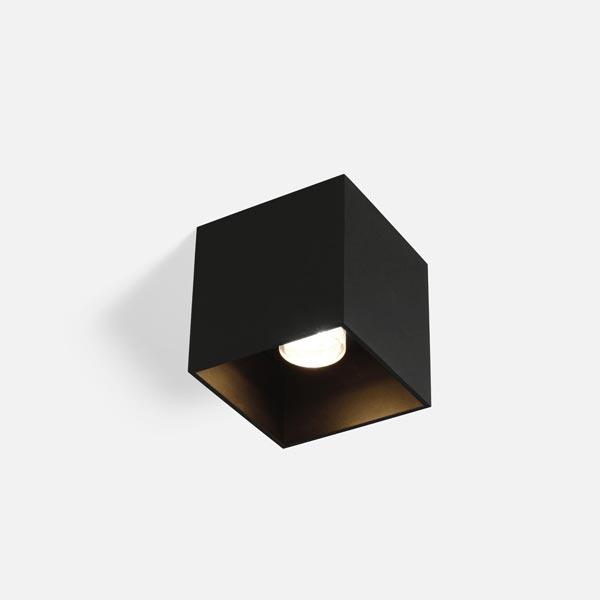 Thumb box 1.0 black texture 1800 2850k