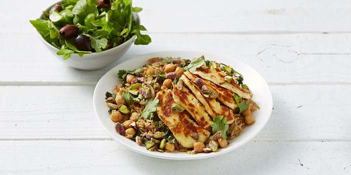 Chickpea Pilaf with Haloumi
