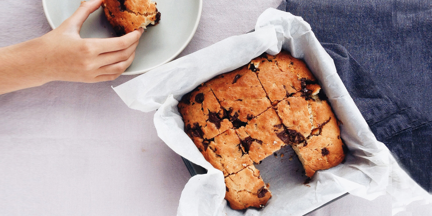 I Quit Sugar – Choc Chip Blondies