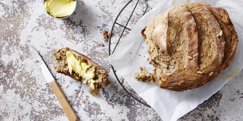 I Quit Sugar: Wattleseed + Rye Slow Cooker Bread