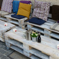 Build Pallet Furniture