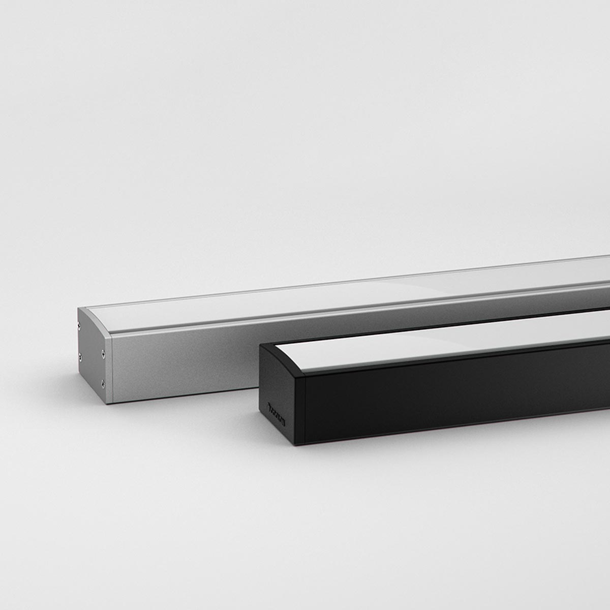 Electro - Robust Linear Luminaire with Homogeneous Light Output (22W or 40W)