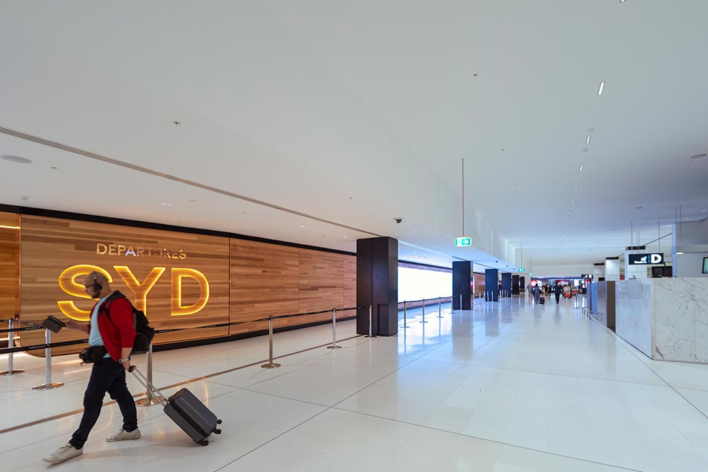 0027 airport 1000x667