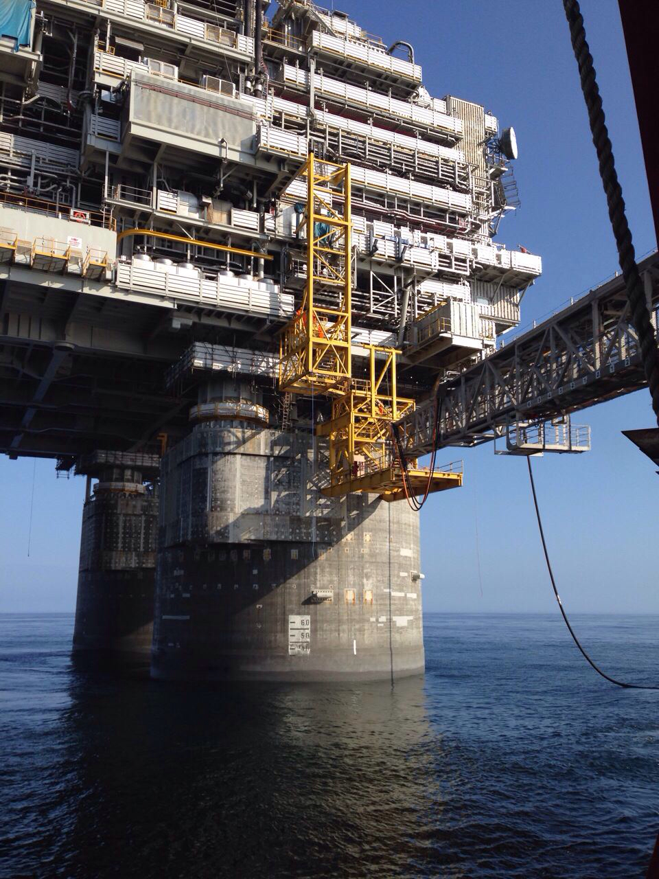 What is offshore hookup and commissioning