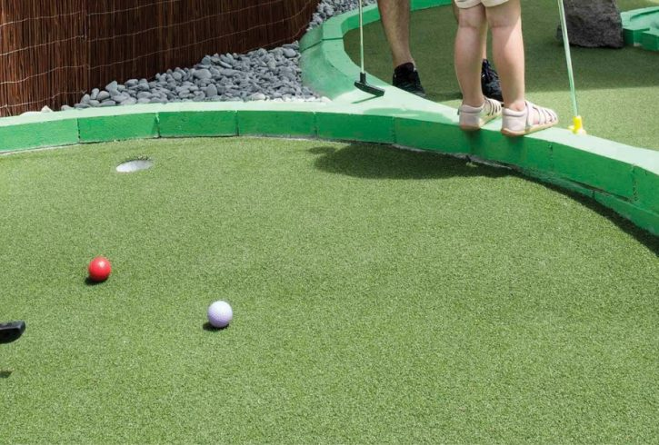 LILLIPUTT MINI GOLF