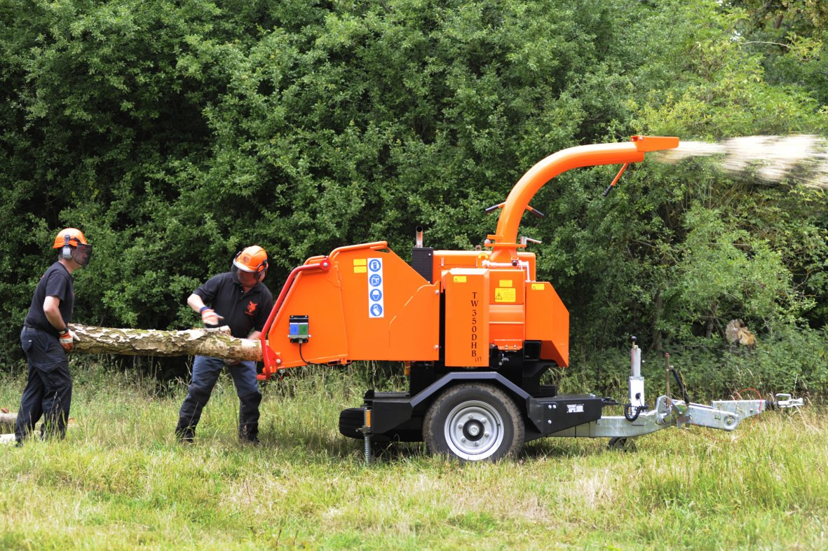 Complete Guide to Wood Chippers and Shredders