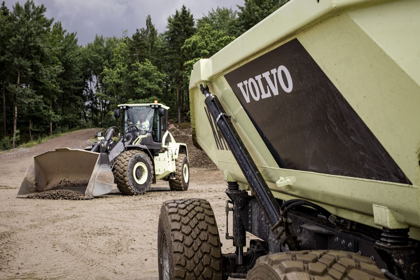 Ground Breaking Innovations In Volvo's New Earth Moving Machines