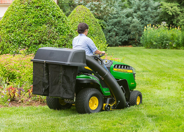 Ride On Mower Review: John Deere D140 Lawn Tractor