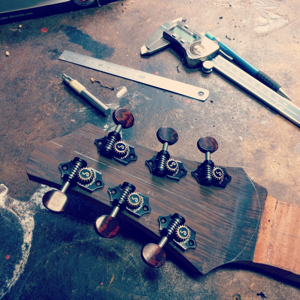 Carving out your Niche: A Woodworker's Guide to Establishing a Boutique Business