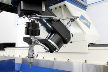 Waterjet CNC machine cutting head