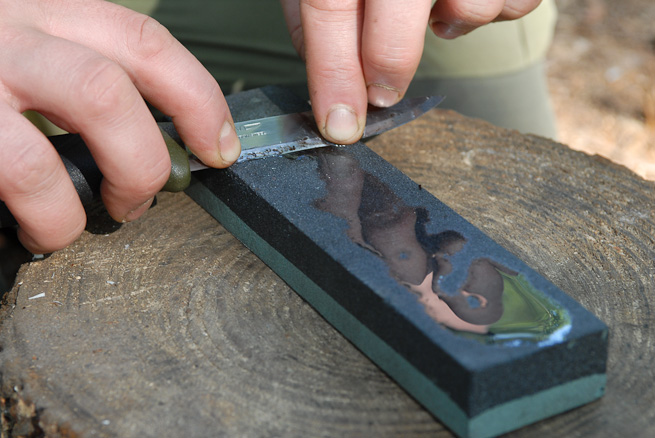 How to Use a Sharpening Stone - A Lesson From the Masters