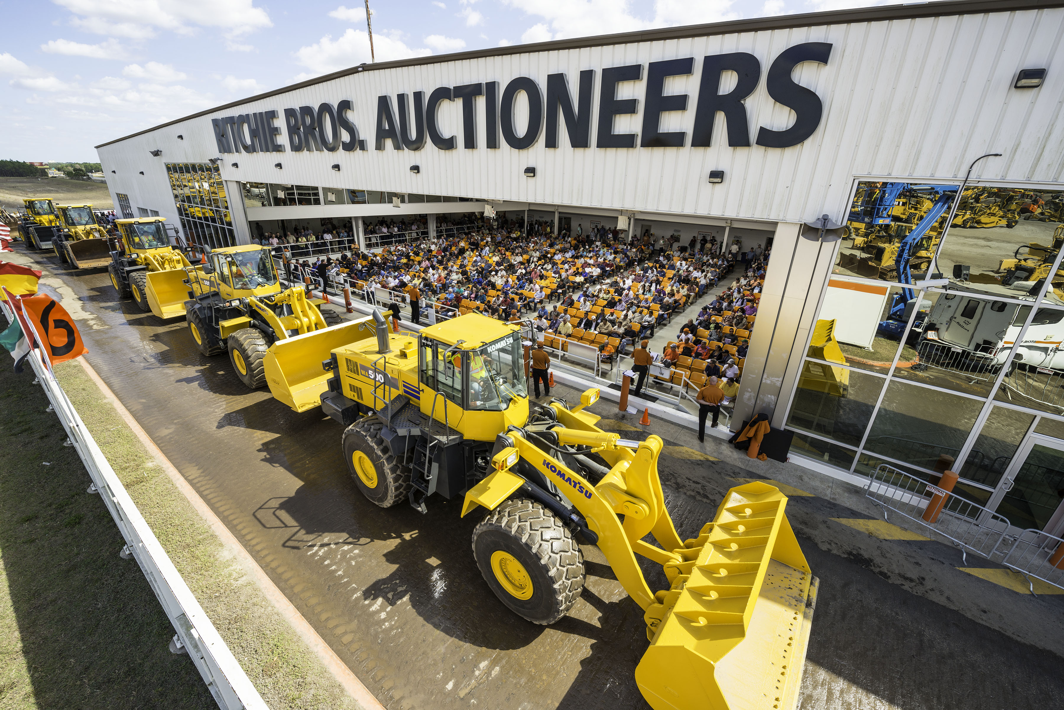 wheel-loaders woll out at an RB orlando auction