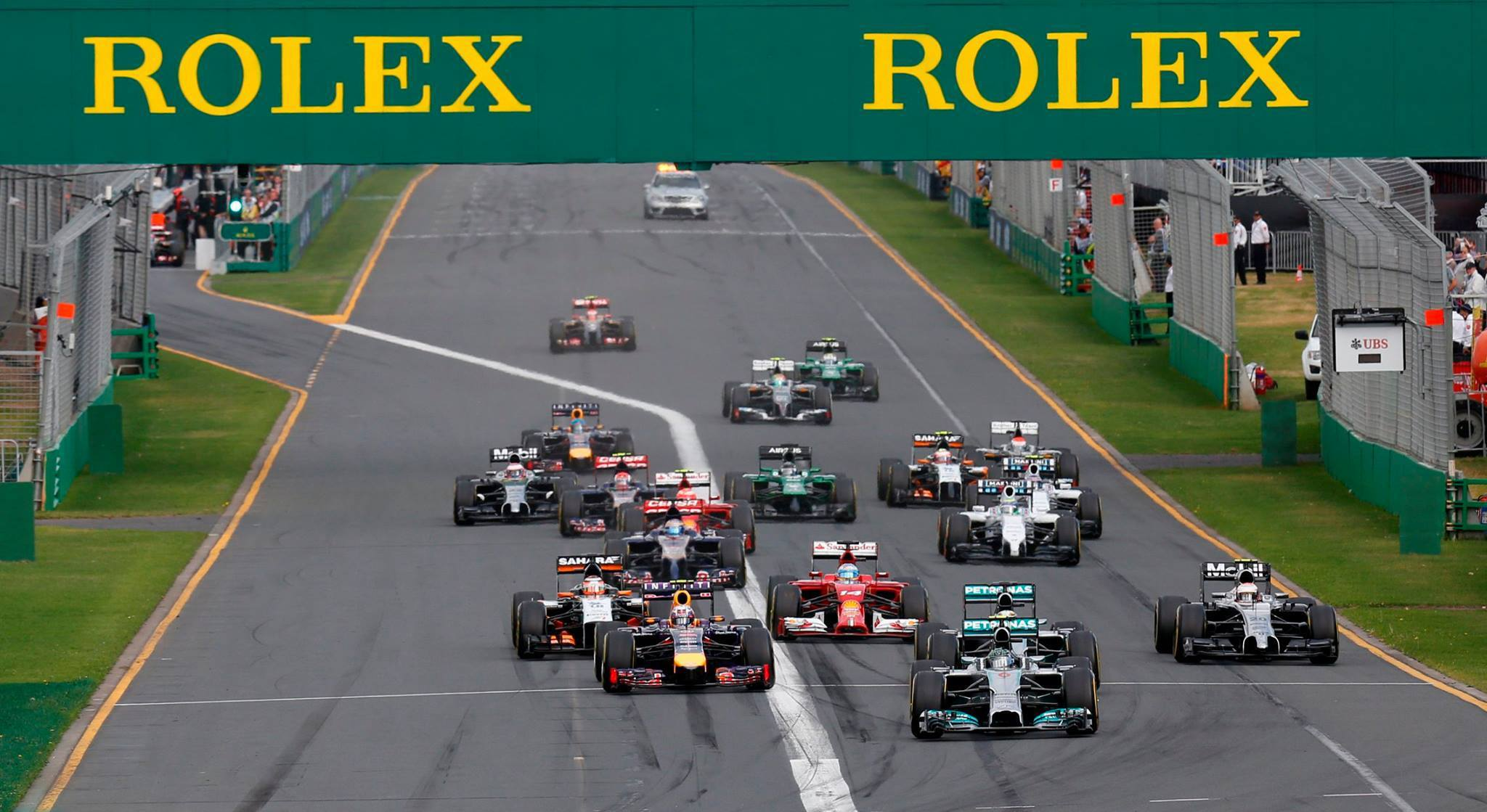 formula 1 grand prix race takes off