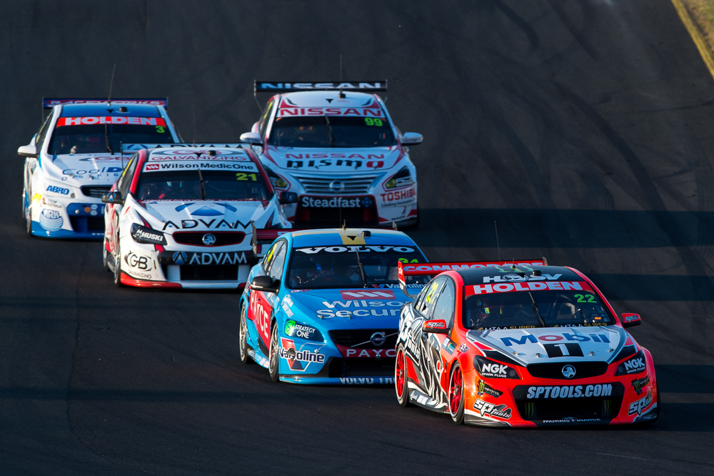 Supercars taking to the track for the Sydney Super Sprint