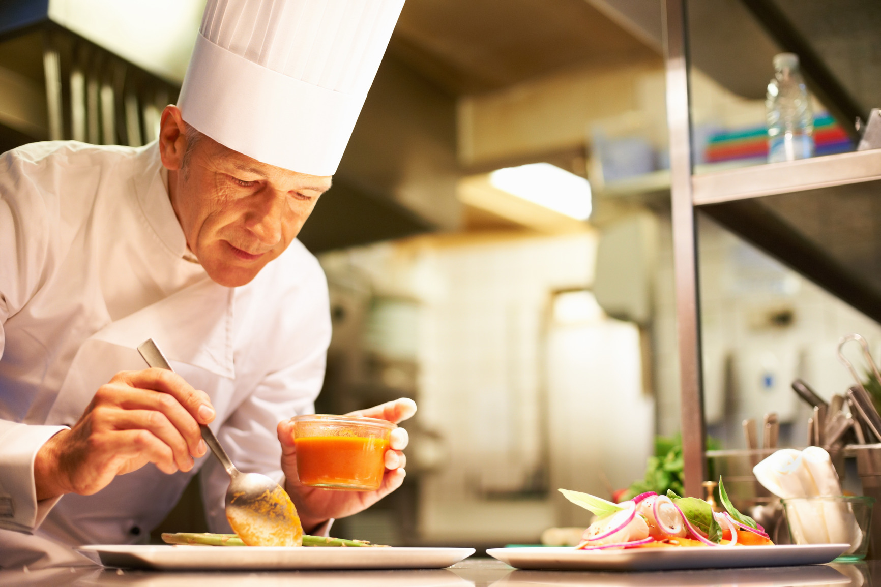 What's The Difference Between A Great Home Cook & A Pro Chef?