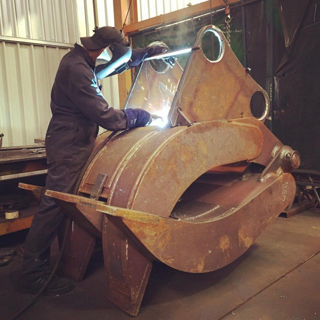 Tiger rock grab welding