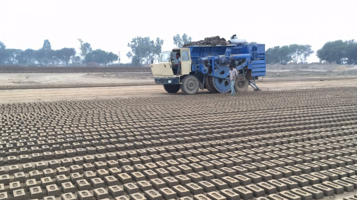 How Can One Machine Lay 300 Bricks in a Minute?
