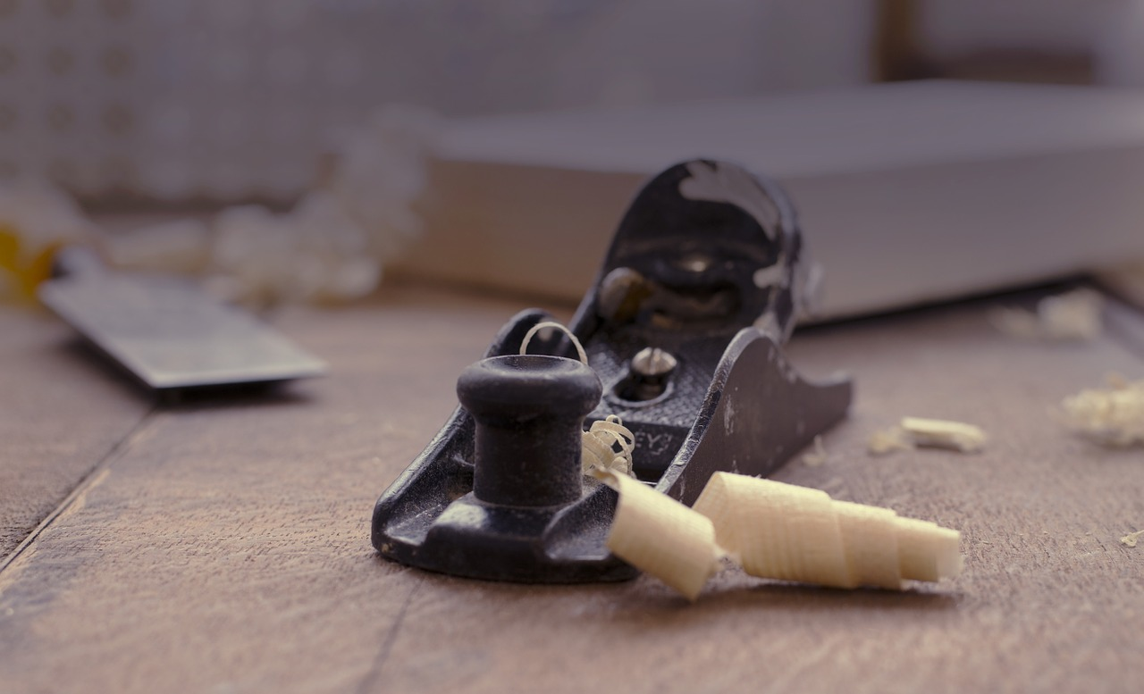 The Complete Guide to the Humble Hand Plane from Steve Hay