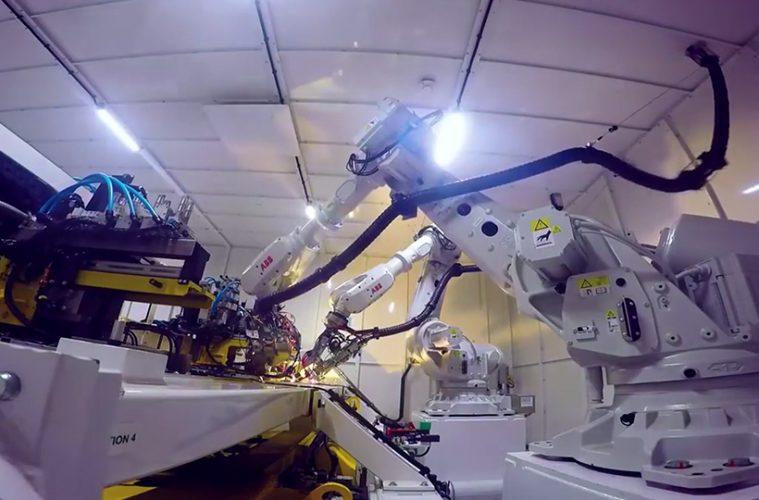 robots welding