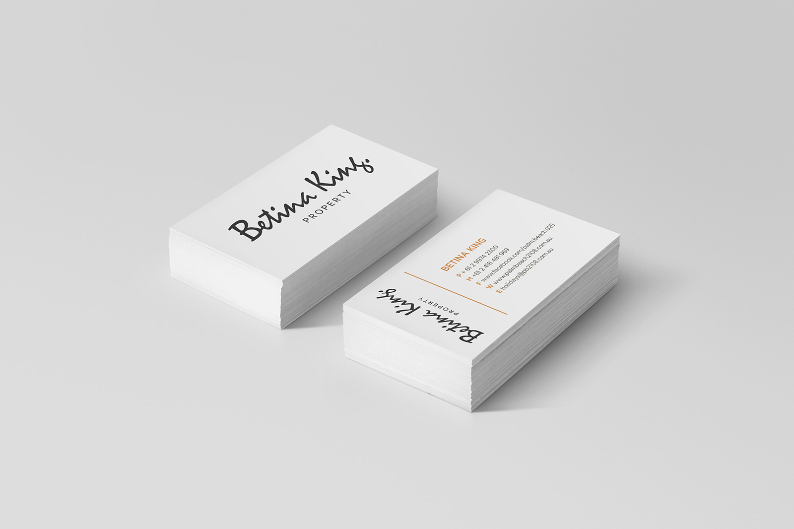 Fake-Business-card_Mockup-min