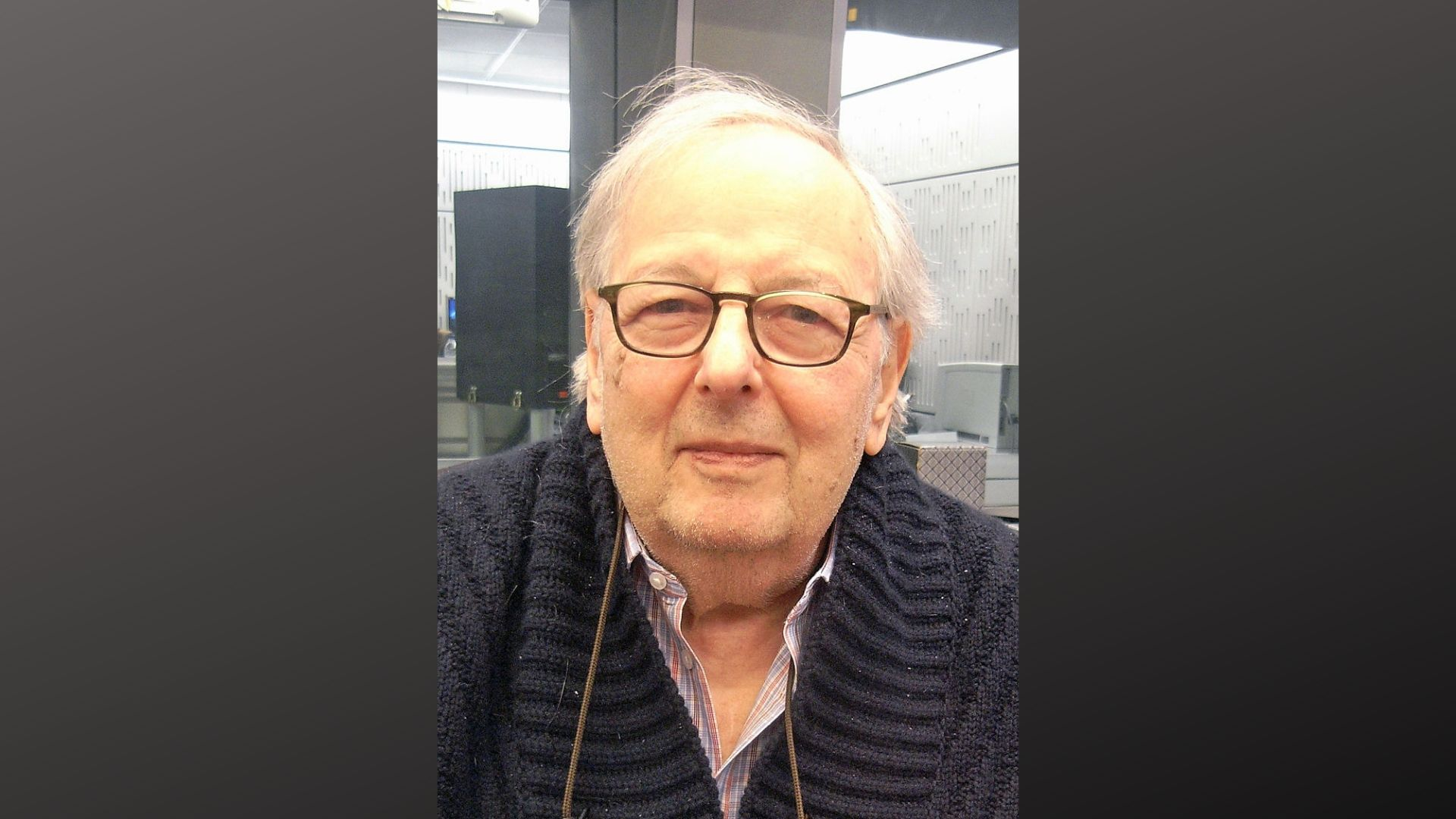 Picture of Sir Andre Previn, pianist