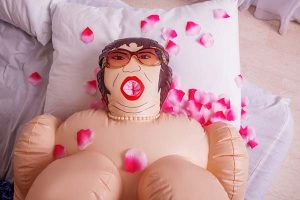 blow-up-sex-doll