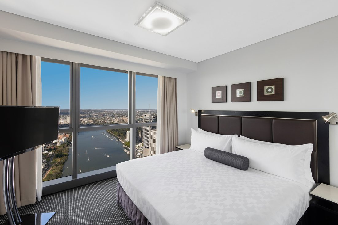 2 Bedroom Altitude Suite Adelaide Street Brisbane Meriton Suites