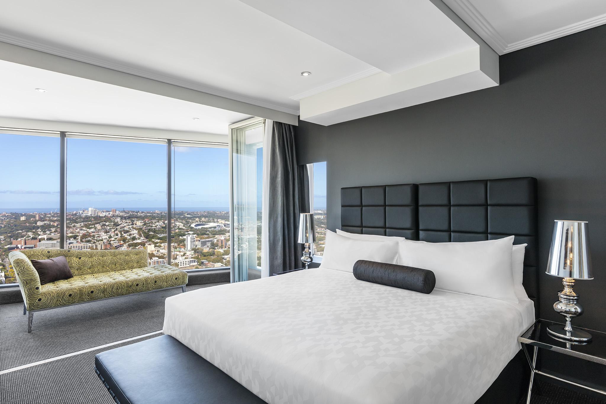 3 Bedroom Ocean Suite World Tower Meriton Suites