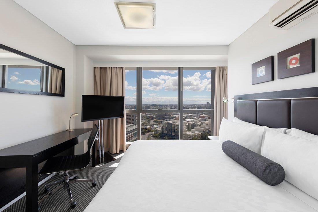 Meriton Suites Adelaide Street Brisbane Gallery Meriton