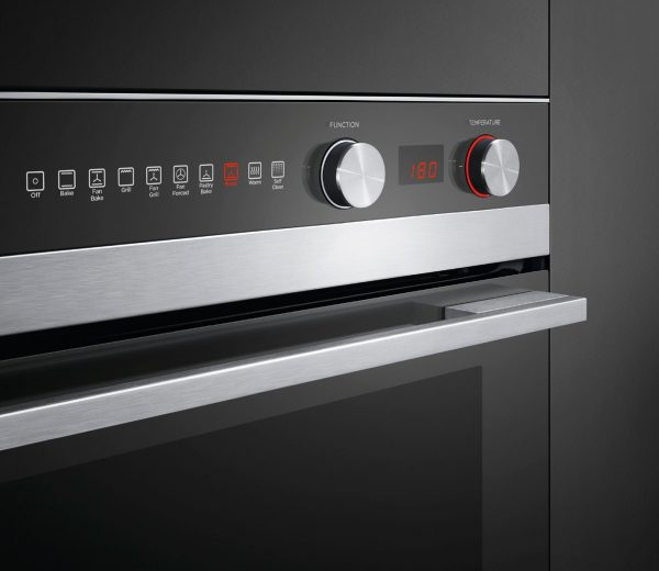 Fisher Paykel OB60SC9DEPX1 72L Electric Wall Oven Controls high.jpeg