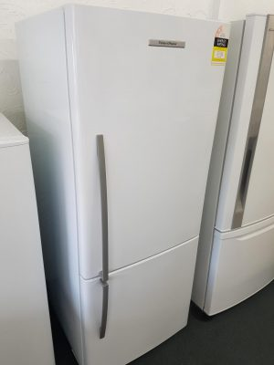 373L Fisher & Paykel F/Freezer White E372BRE4